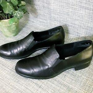 Munro Black Shoes